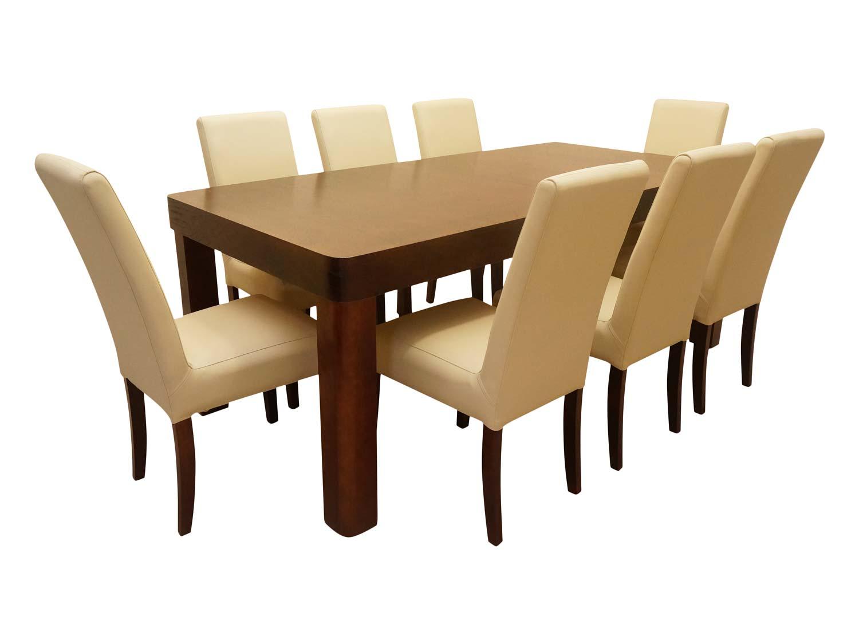 Tapicerowane krzesła z dębowym stołem